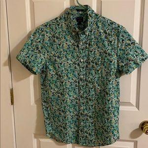 J Crew NWOT short sleeve button up shirt. Small